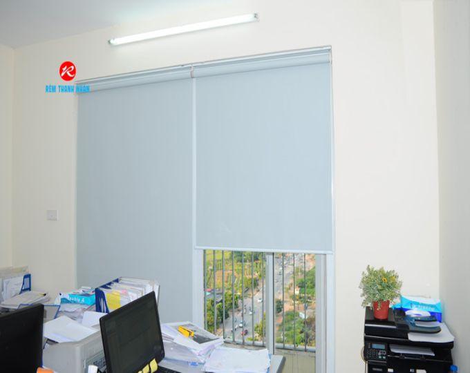 Rèm cuốn chống nắng C-306 văn phòng