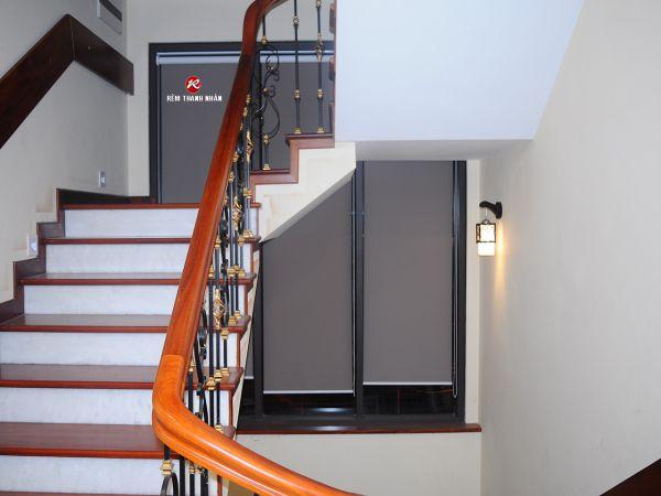 Rèm cuốn khu cầu thang