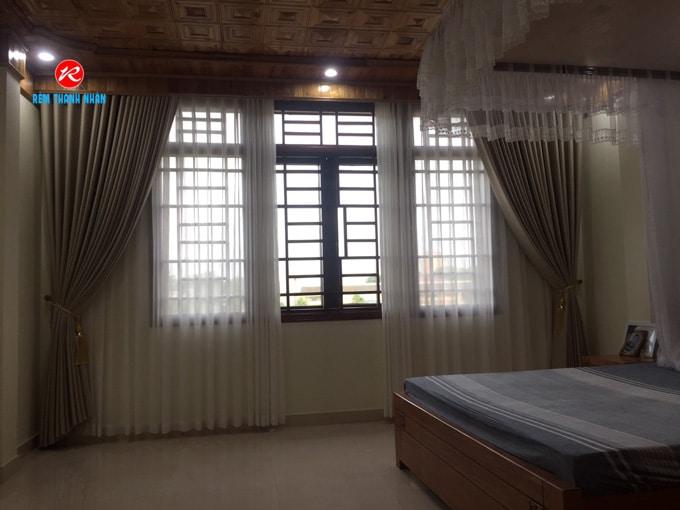Rèm cửa sổ phòng ngủ đẹp với giá rẻ