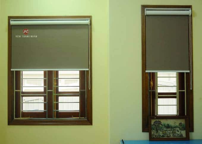Rèm cửa sổ cuốn chống nắng màu nâu