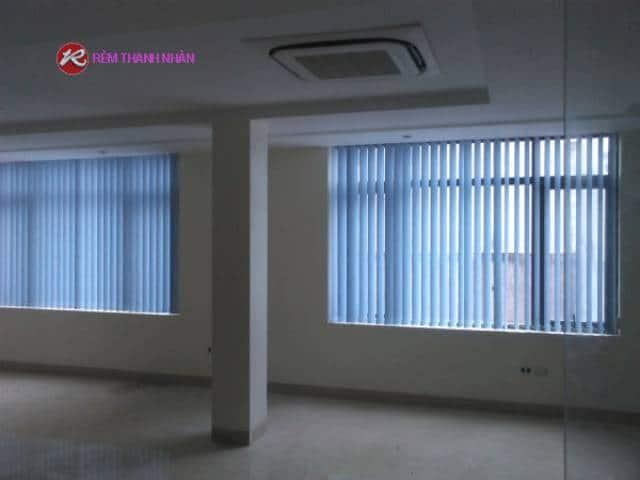 Rèm nhựa cửa sổ lá dọc văn phòng