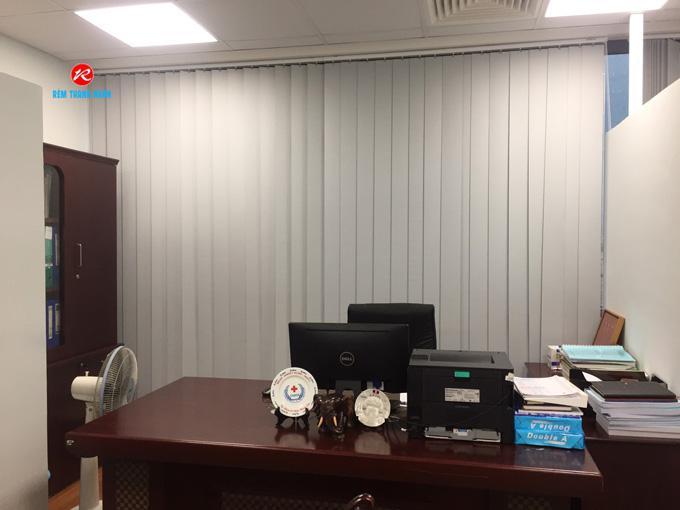 Màn cửa lá dọc văn phòng