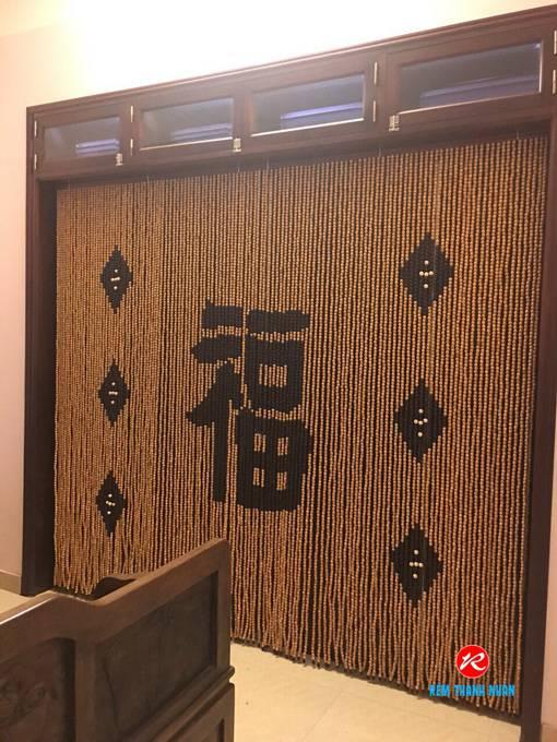 Rèm cửa hạt gỗ phòng khách