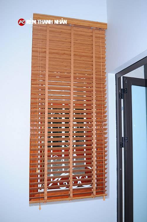 Rèm nhựa giả gỗ cửa sổ phòng khách