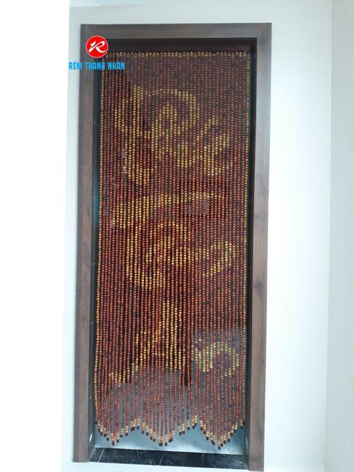 Rèm hạt gỗ Hương treo cửa phòng thờ