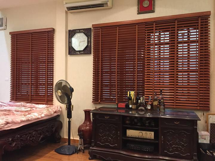 Rèm gỗ cao cấp che nắng cửa sổ phòng ngủ